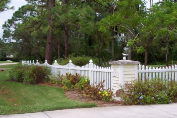 Residential Fence Estero