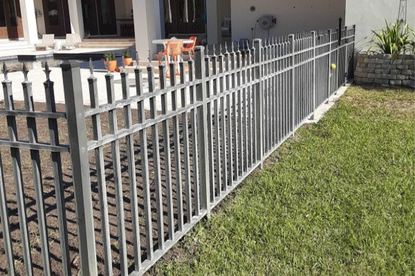 top 5 benefits of an aluminum fence
